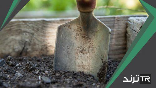 المصدر الرئيسي لماده الدبال في التربة