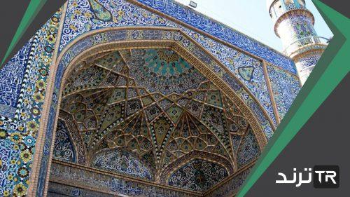 لماذا استخدم الفنان المسلم أسلوب الكتابة على المنسوجات
