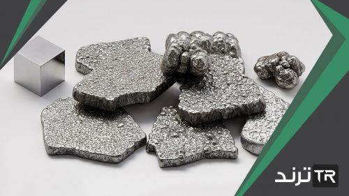 ماذا يحدث للفلز الذي يتم تعريضه للهواء بحيث يتحد باللافلز كيميائيا