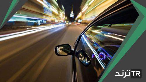 ما العبارة الصحيحة عندما تكون السرعة المتجهة والتسارع في الاتجاه نفسه