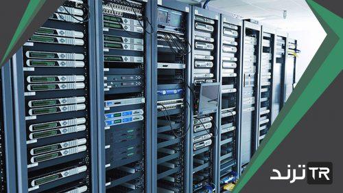 هي مجموعة من الصفحات المترابطة والمخزنة في أحد أنواع الحاسبات التي تسمى بالخادم