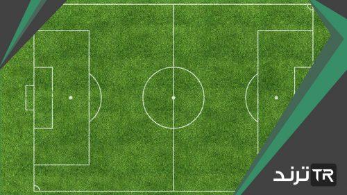 يبلغ طول ملعب كرة قدم ١٠٠ متر