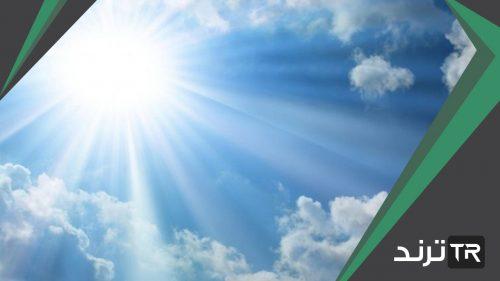 ينتقل ضوء الشمس عبر الفضاء في خطوط متعرجة